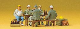 Preiser 10338 Bauarbeiter in der Pause | Miniaturfiguren Spur H0 1:87 online kaufen