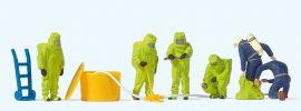 Preiser 10731 Feuerwehrmänner, Grüner Vollschutzanzug und Zubehör | Figuren Spur H0 1:87 online kaufen