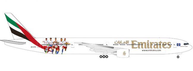 herpa WINGS 530880 Boeing B777-300ER Emirates Hamburger SV Flugzeugmodell 1:500
