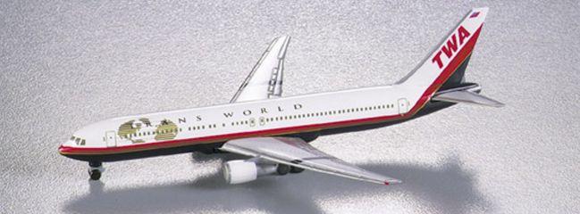 herpa 502849 Boeing 767-300 TWA Flugzeugmodell 1:500