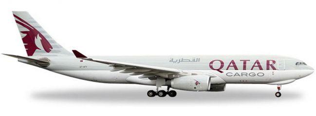 herpa 529884 A330-200F Qatar Airways Cargo | WINGS 1:500