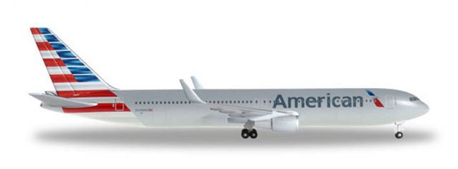 herpa 528276 Boeing 767-300ER American Airlines Flugzeugmodell 1:500