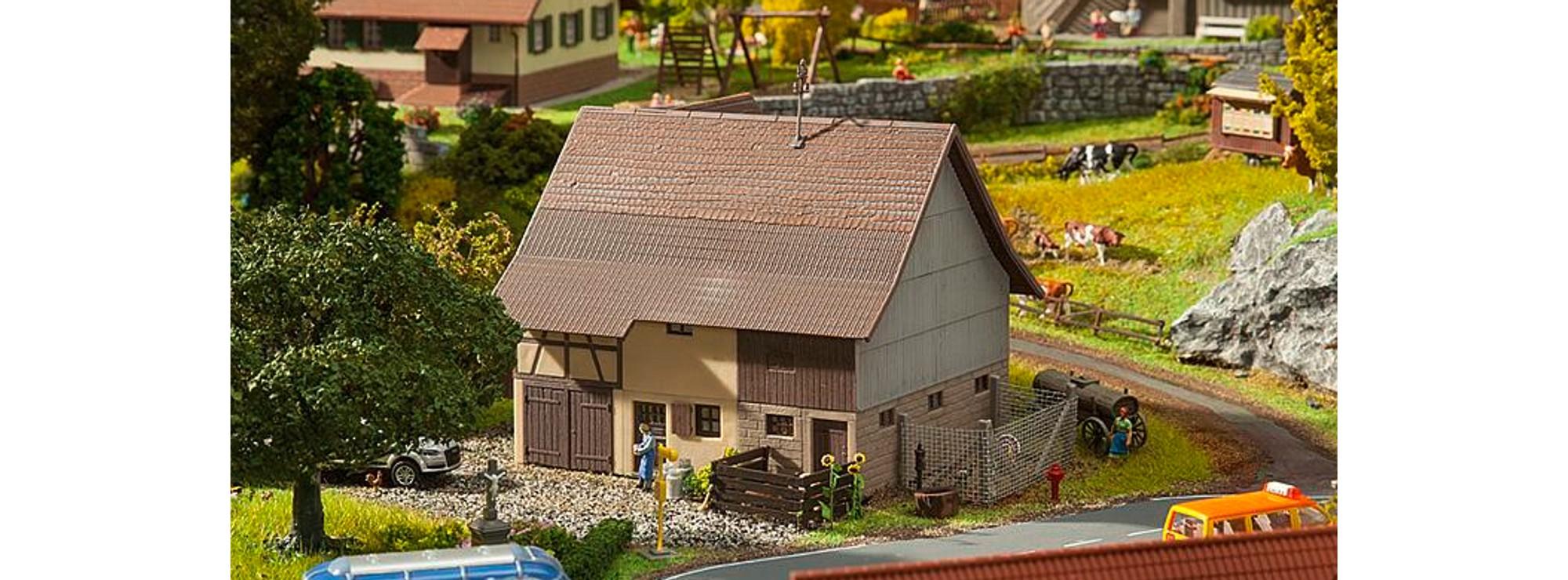 Faller 151007 H0 Figuren Auf dem Bauernhof