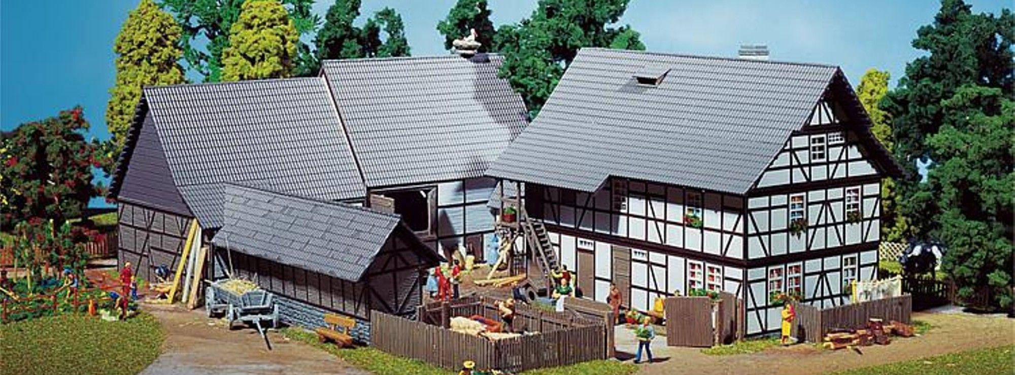 faller 130370 dreiseit hof bauernhof bausatz spur h0. Black Bedroom Furniture Sets. Home Design Ideas